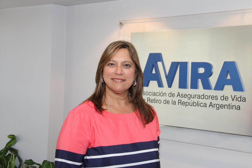 Claudia Mundo, Presidente de AVIRA